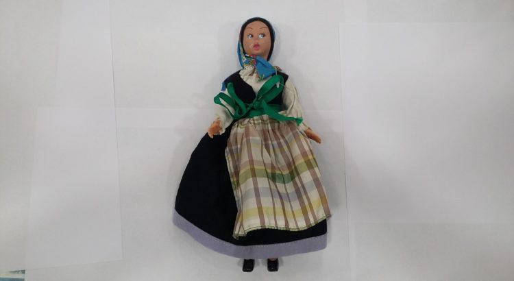 bambola panno lenci