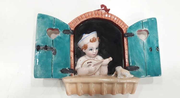 maiolica bambino finestra